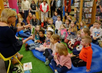 Ohio's First Lady Fran DeWine stopped by the Portsmouth Public Library on Friday