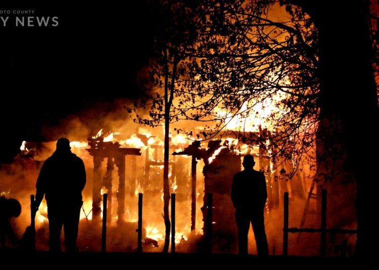 Major Early Morning Fire near Mound Park