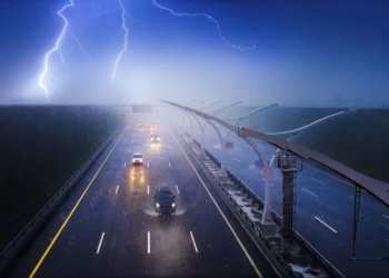 3 Trucking Tips for Driving in a Thunderstorm